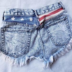 Size 5 High Rise Bullhead jean shorts